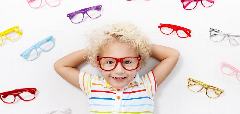 Como fazer seu filho gostar dos óculos